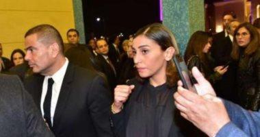 صورة عمرو دياب ودينا الشربينى يؤديان واجب العزاء فى الرئيس الأسبق محمد حسنى مبارك