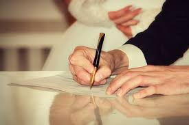 صورة 13 إلزامًا قبل توثيق عقد القران.. أبرزها عدم الزواج بأخرى الا بإذن كتابى