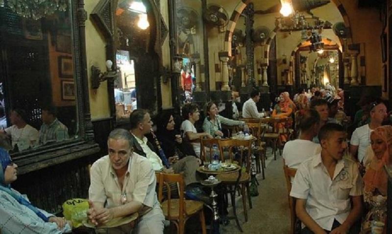 صورة فتح المطاعم والكافيهات وتأخير ساعات الحظر إلى 10 مساءً .. اعرف التفاصيل