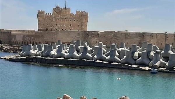 صورة حماية الشواطئ تبدأ فى تطوير منطقة قلعة قايتباى بالاسكندرية