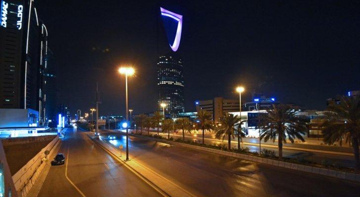 Photo of السعودية تعيد إغلاق المساجد وتشدد الإجراءات بعد زيادة إصابات كورونا