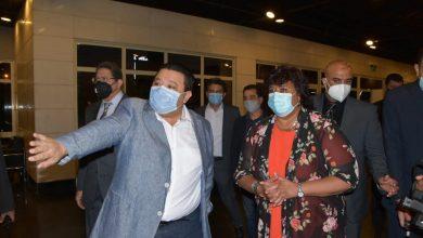 صورة وزيرة الثقافة تشهد استئناف نشاط قطاع الانتاج الثقافى