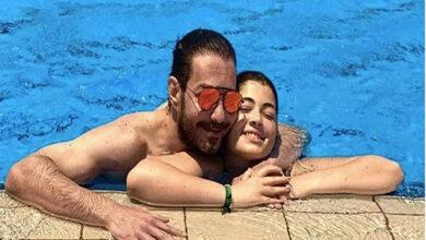صورة شاهد .. صور أحمد زاهر وابنته بحمام السباحة تشعل السوشيال ميديا